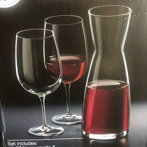NIB Spazio Carafe and Wine Glass Set